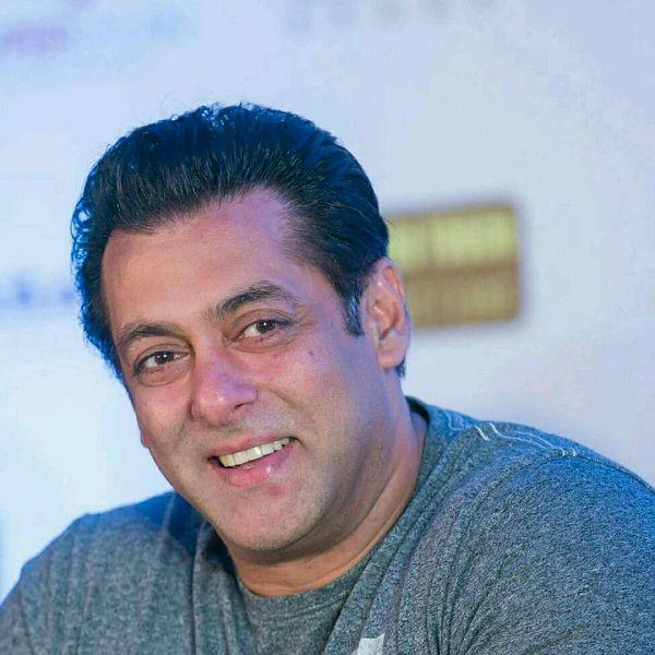 [Video] Salman Khan promises Bhai ki bhabi jaldi ayegi but then this happens…
