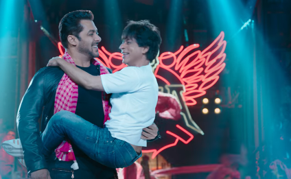 Salman Khan and Shah Rukh Khan's these stills from Zero Teaser is going viral on social media