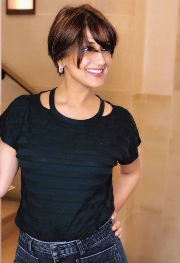 Sonali Bendre switches on her sunshine with a new look and she looks so B-E-A-U-T-I-F-U-L!
