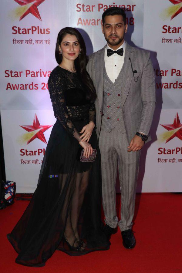 PICS] Star Parivaar Awards 2018: Erica Fernandes-Parth Samthaan