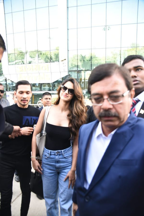 [Pics] Ranveer Singh and Deepika Padukone reach Udaipur to attend Isha Ambani and Anand Piramal pre-wedding functions