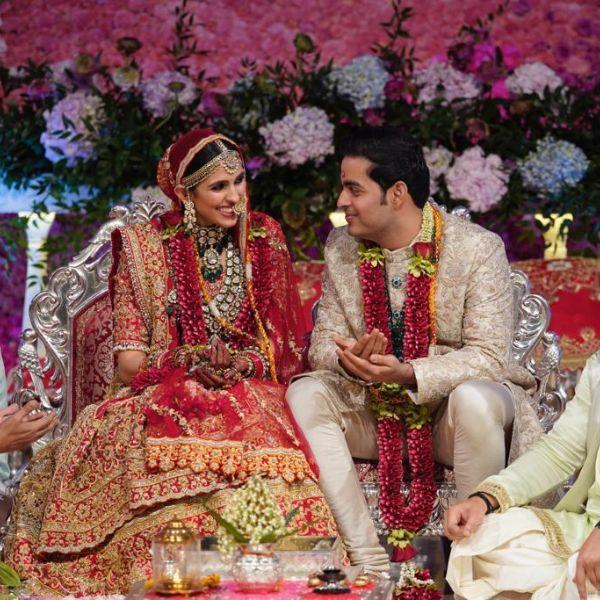 Akash and Shloka Ambani share FIRST KISS as a married couple