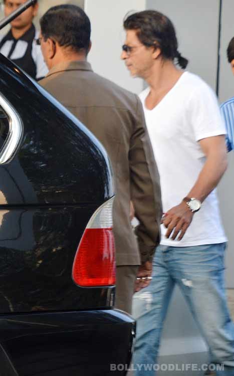 Shahrukh Khan back after celebrating New Year with family