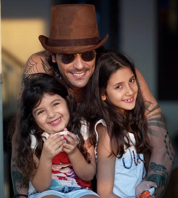 Kids Calendar Shoot : Arjun rampal poses with dabboo ratnani s kids during the