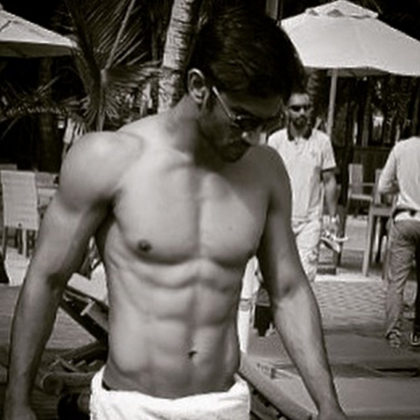 Sushant Singh Rajput showing off his perfect abs ...