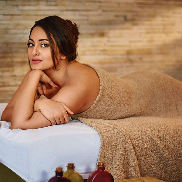 nude female latina models
