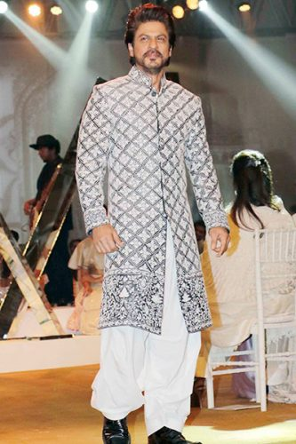 Shah Rukh Khan Looks Dapper In A Royal Sherwani As He