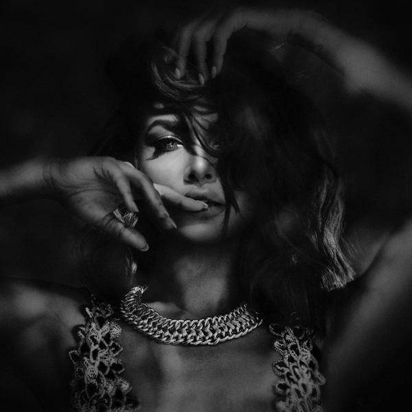 Esha Gupta Hot Video – Celebrity Photoshoots | Celebs ...
